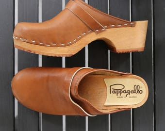 RESERVED for Wendy - Vintage Pappagallo Wooden Clogs Rich Brown Leather