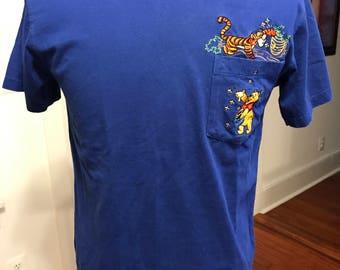 Vintage 1990's Disney Winnie the Poo and Tigger Short Sleeve T Shirt