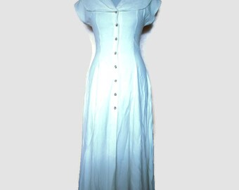 Vintage 1950s dress, 50s day dress, simple vintage dress, classic vintage dress, white dress, 50s white dress, button down dress, size S/M