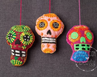 Mexican Embroidered Felt Skulls / Hand Embroidered Calacas/ Day of the Dead / Cinco de Mayo Decor