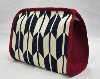 Toiletry Bag, Cosmetic Bag, Spill Proof Bag, Travel Pouch, Handmade Pouch, Wet Bag, Makeup Bag