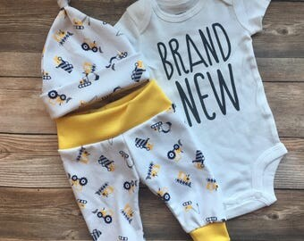 Construction Truck Coming Home Outfit, Baby Boy Outfit, Going Home Outfit, Navy and Yellow, Baby boy outfit, digger,dump truck READY TO SHIP