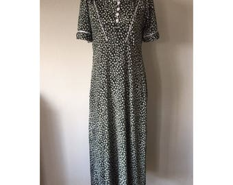 SALE! L Vintage Dark Green and White Floral Long Handmade House Dress