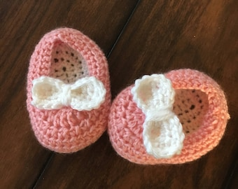 Baby girl shoe with bow