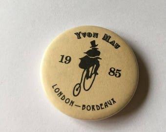 London - boreaux 1985 badge yvon mau