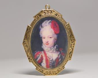 Austrian Princess Maria Christina Antique Style Pendant Antique Golden Tone in Red D9