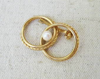 Ekelund Circle Brooch, Vintage Brooch, 12K GF Gold Filled, White Faux Pearl, Small Pin, Dainty Delicate, Wedding Jewelry, Anniversary, Gift