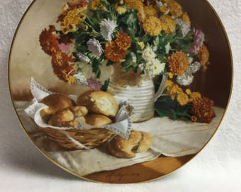W.L. George Flowers of Your Garden - 'Chrysanthemums' Collector Plate (#084)