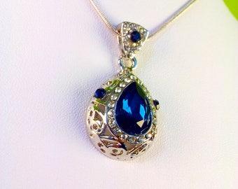 Dark Blue Crystal Elegant Necklace