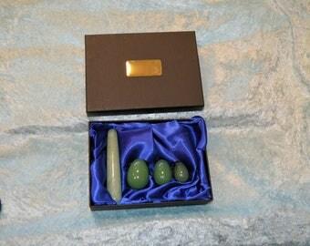 Baguette de cristal Massage yoni et oeufs de Yoni présentation cadeau ensemble. Fabriqué à partir d'Aventurine verte naturelle. PERSONNALISÉ
