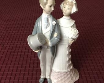 Vintage Porcelain Lladro Figurine Bride and Groom Wedding #4808