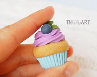 Blueberry Cupcake Brooch / handmade polymer clay jewelry / Sweet brooch pin / Delicious cupcake / sweet-tooth gift blue purple colors