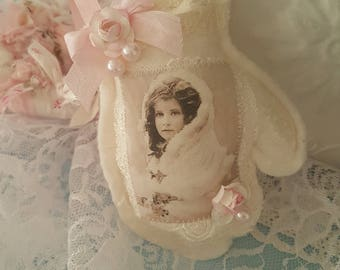 Vintage Mitten Hanger Pink Shabby Chic Mitten Ornament Vintage Images Girl with Wrap with Pearls and Roses Lavender Sachet Vintage Laces