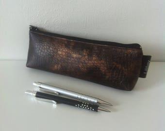 """trousse à crayons ou cigarette électronique """"Crocodile marron cuivré"""" en similicuir"""