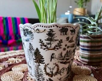 Woodland Toile Ceramic Planter, Off White, Ivory