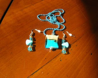Cream and blue jewelry set