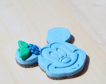 Blueberry cake Mickey brooch