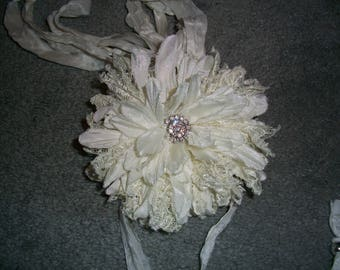 Christmas Snow Boho Sari Silk Flower Necklace With Silver Beads