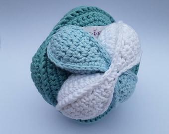 Balle de préhension montessori au crochet en coton bio certifié GOTS