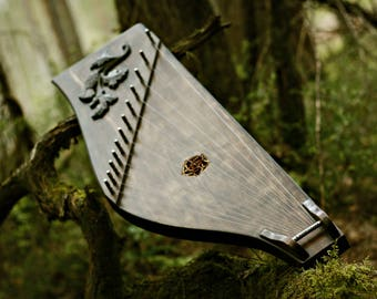 gusli russian musical instrument