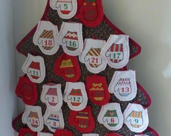 Embroidered advent calendar: Christmas tree shape