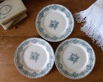 Trio d'assiettes Creil et Montereau modèle Watteau / Three old French earthenware plates from Creil et Montereau factory, 'Watteau' pattern