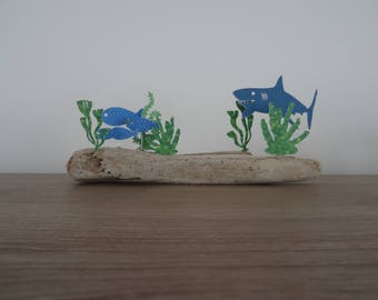 Quickly hide small fish, shark is coming! Skit on Driftwood