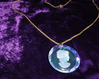 Vintage Reverse Etched Iridescent Round Cameo Pendant on Gold Tone Chain