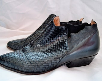 black vintage woven booties / black leather ankle boots / leather womens shoes