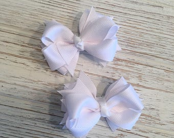 White pig tail hair bows, white hair bow, white hairbow, white hair clip, white pigtail, white pig tail, white piggies, white pig tail bow