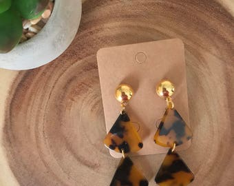 Tortoise Shell Brass Gold Stud Fan Triangle Drop Dangle Earrings