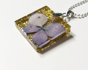 Pendant, woman, real flowers, gold glitter, ball necklace, hydrangea, dried flowers