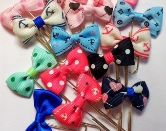 One (1) Cute Bow Planner Clip