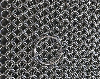 Chainmaille Scrubber for Cast Iron Pans