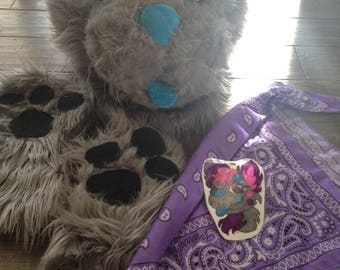 unfinished wolf fursuit with follow me eyes, unfinished paws, bandana and badgeLOWER PRICE!!!