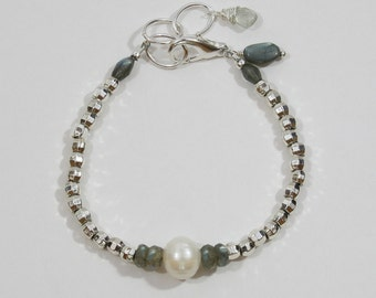 Labradorite, pearl and silver bracelet