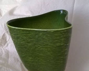 Mid Century Kidney Shaped Planter , Chinese Modern Era, late 40s early 50s, decorative Flower Pot,