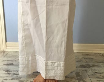 Vintage Half Slip Medium Maxi Long Length- Sydney Bush White Rayon