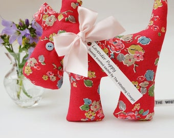 Dog Lavender Sachet, Pretty Red Floral Scented Lavender Puppy Sachet, Flowery Dog Bedroom Decoration, Scented Gift