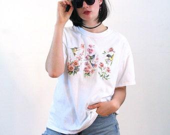 90s Floral Hummingbird T-shirt, Hollyhocks T-shirt, Flower T-shirt, Bird T-shirt, Animal T-shirt, Nature T-shirt, Gardeners T-shirt, L