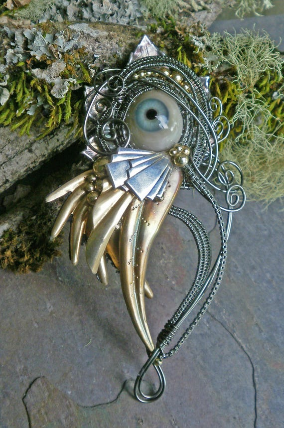 Gothic Steampunk Antique Prosthetic Grey Blue Eye Pin Pendant Brooch
