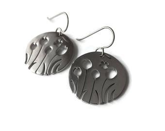 Silver field of flowers dangle earrings - Hypoallergenic pure titanium and stainless steel