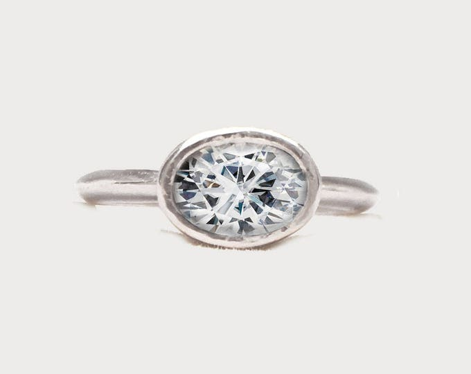 Oval Diamond 14K White Gold Engagement ring