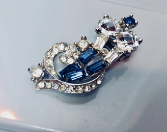 Vintage Rhinestone Fur Clip Blue Sapphires and Diamonds Old Hollywood Glamour