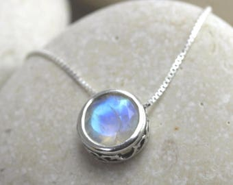 Moonstone solitaire necklace with genuine moonstone in sterling silver, gemstone necklace