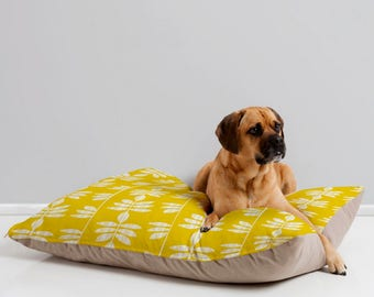 Cozy Dog Bed // Dog Pillow // Yellow Pet Bedding // Animal Pillow // Modern Pet Bedding // Pet Mat // Modern Geometric // Abadi Design