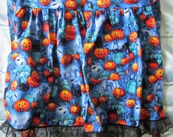 JKW Halloween CATs Graveyard JOL Black Lace Half APRON with Pocket