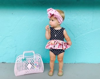 NEW --- ICE CREAM Shop Set -- Cropped top and Black and White Polka Dot Bummies kids, toddlers girls