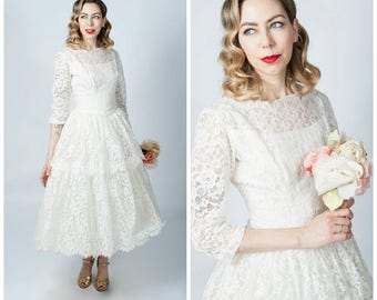 Vintage 1950's White Lace Tea Length Wedding Dress/ 50's Fit and Flare Light Cream Lace Short Wedding Dress with Sleeves Size Medium