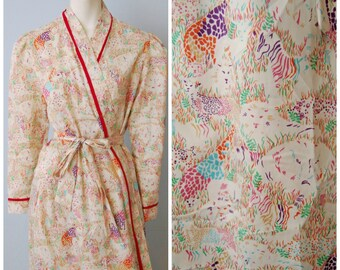 Vintage 70's Periphery Bathrobe Robe Lingerie with Jungle Safari Animal Print Lions, Elephant, Leopard  Colorful Patterned Classy Size M